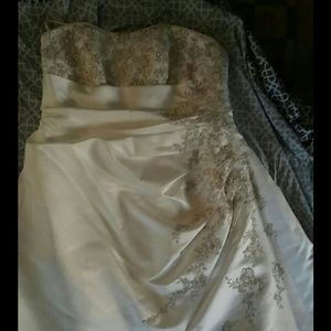 David's bridal 18W wedding dress